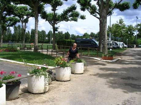 Aire de camping-car à Caussade