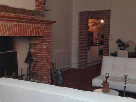 M VOUTYRAS - Appartement meublé