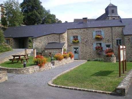 Chambre d'hôtes, vallée de la Meuse, proche Belgique, piscine, relais VTT