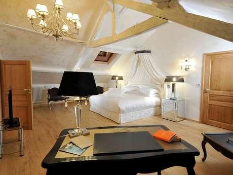 """Hôtel """"Domaine Château du Faucon"""""""