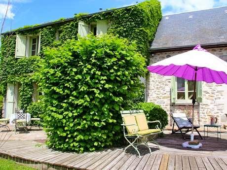 Chambres d'hôtes Gîtes de France - CHAMBORAND - 2 chambres - Réf : 23G0913