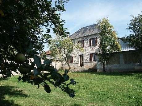 Chambres d'hôtes Gîtes de France - SAINT MARC A FRONGIER - 3 chambres - Réf : 23G0640