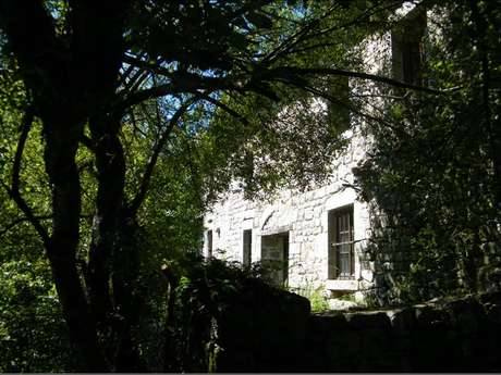 Chambres d'hôtes Gîtes de France - SAINT AVIT DE TARDES - 3 chambres - Réf : 23G0902