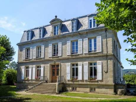 Chambres d'hôtes Gîtes de France - SAINT PIERRE BELLEVUE - 3 chambres - Réf : 23G0911
