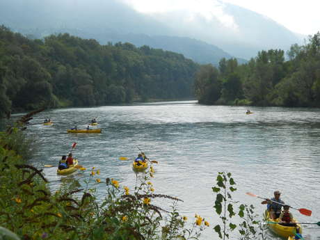 "Canoe/kayak : descent down the Rhône - the bivouac ""Eau  Lac"""