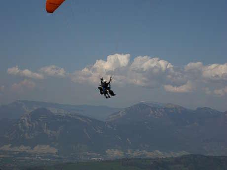 Vols en parapente biplace avec Pegase et particule