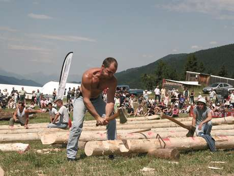 Concours de Bûcherons à Prapoutel les Sept Laux