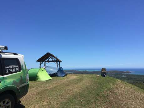 Camping en bord de rivière ou sur les hauteurs de Deva - Gecko Evasion