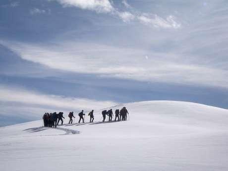 Raquettes avec les accompagnateurs en montagne