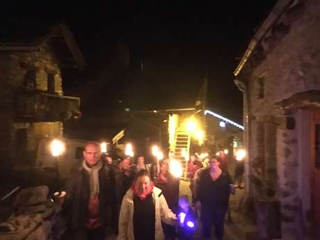 Torchlights tour