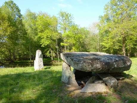 Aux dolmen et menhir