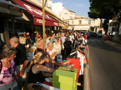 Discount clothing sales in Juan-les-Pins