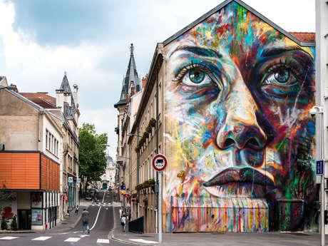STREET ART - GIULIA