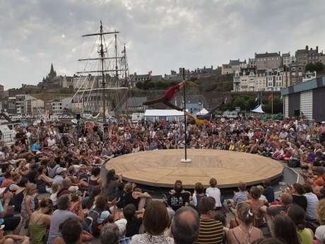 "Festival ""Sorties de Bains"""