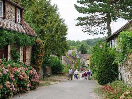 Excursion : visite libre de St-Céneri-le-Gérei et Jardins de la Mansonière