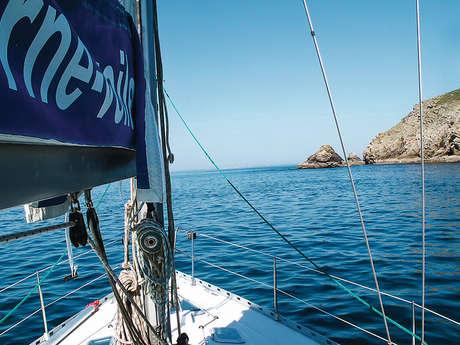 """Journée à l'île de Sein """"Phares et naufrages"""" avec Audierne Yachting"""