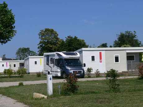 "Camping ""Entre Pierres et Mer"""