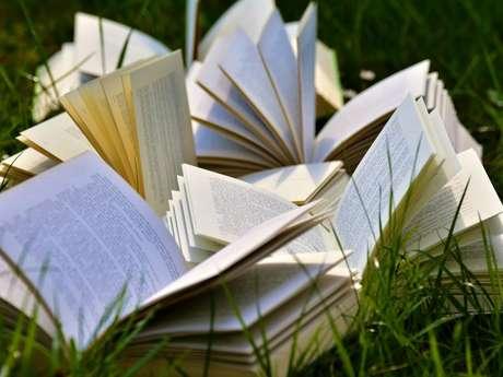 Mise à l'honneur de l'auteur Jeanne Faivre d'Arcier