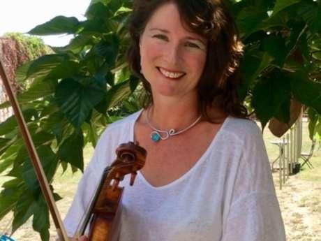 Lucy Perkins en concert à Montmorillon