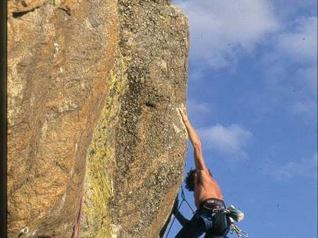 Climbing - The rocks schools equipped in Vallées d'Ax