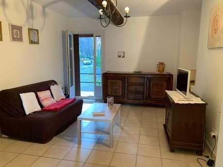 """Appartement """"Primevère"""" 3 personnes à Ornolac-Ussat Les Bains"""