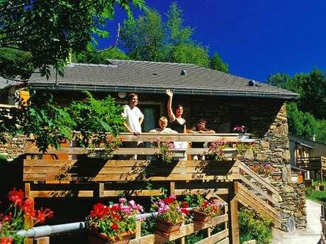Village Vacances - 16 chalets 5/6 pers. à Auzat