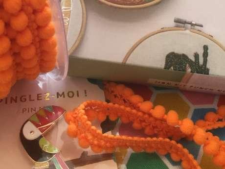 Atelier de couture enfant : Mon étui à écouteur en fleur