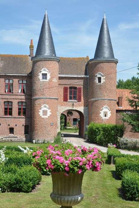 Rendez-vous aux jardins : le manoir de la Besvres et le Jardin bosselé à Saint-Venant
