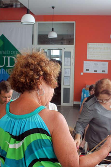 """Ateliers d""""initiation au tressage du vacoa et au créole"""