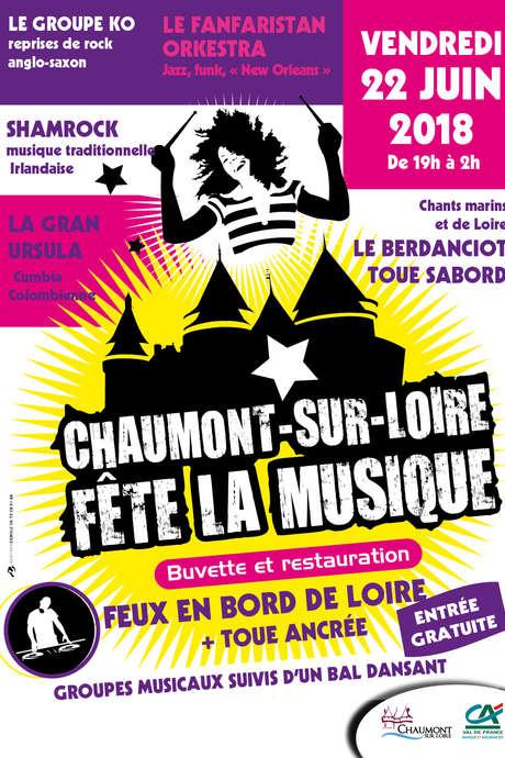 Fête de la musique et feux en bord de Loire