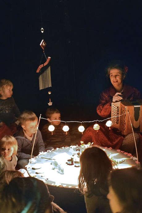 Théâtre d'objets : Les minimondes de Sidonie