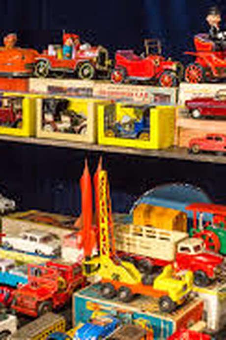 Le petit musée // Exposition de jouets, jeux, souvenirs d'école