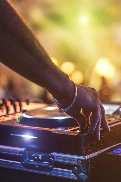 After Work DJ