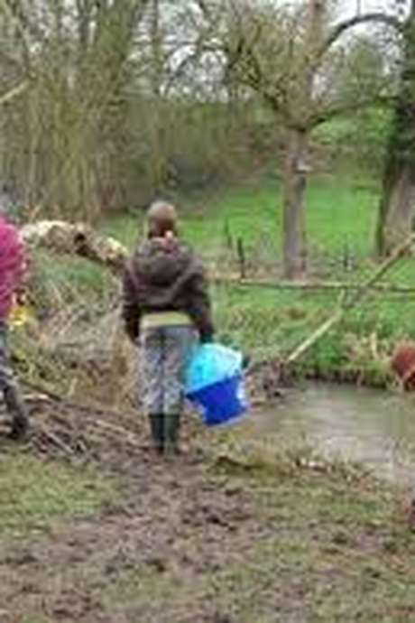 Opération nettoyage de la Mayenne
