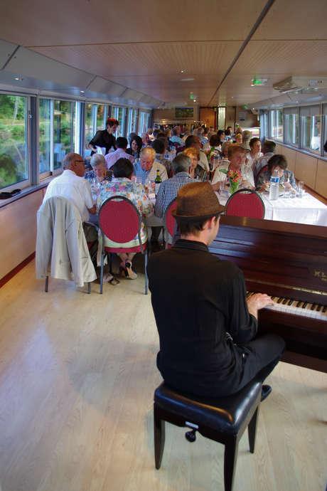 """Croisière """"Dîner Croisière en Musique"""" - Vallis Guidonis"""