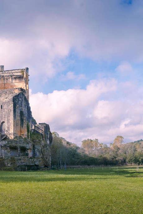 Chasse aux oeufs au Château de Commarque