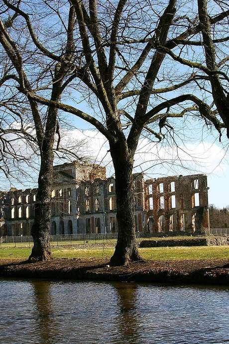 Journée du Patrimoine - Visites commentées du Parc et des Châteaux de La Ferté-Vidame.