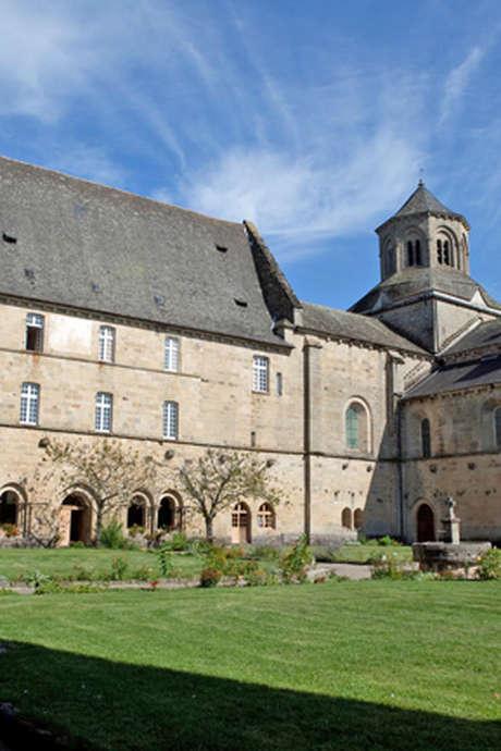 Balade Botanique à l'Abbaye d'Aubazine