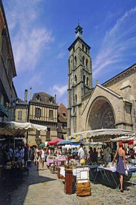 Brocante à Beaulieu-sur-Dordogne