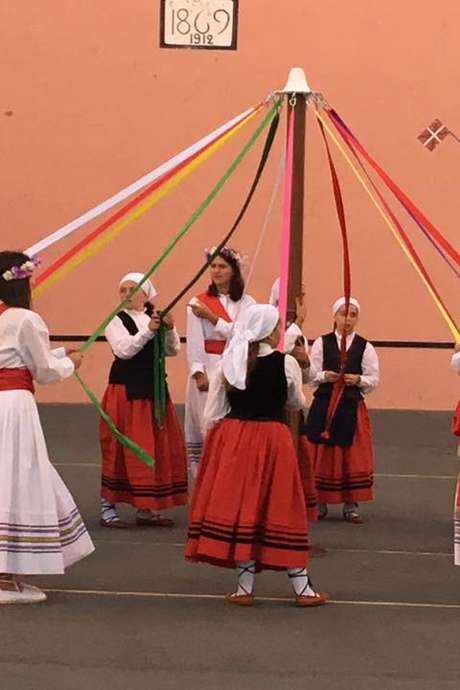 Danses Basques avec le groupe Goiz Argi