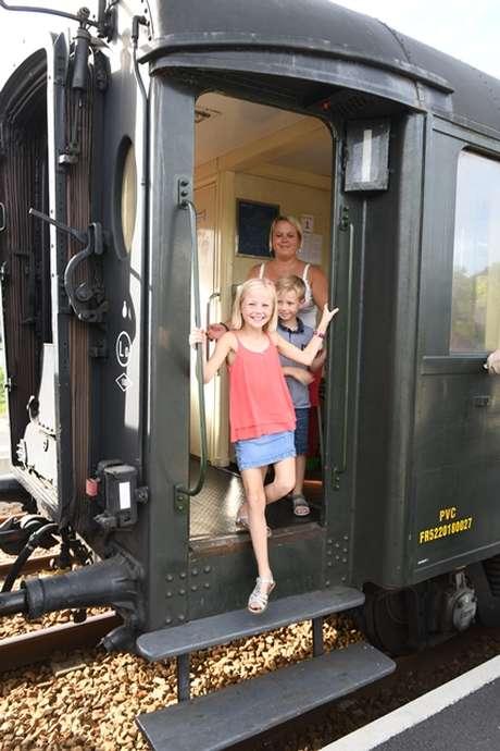 Découverte au rythme de la locomotive à vapeur  : A Saint-Victor-l'Abbaye, visite de l'Apiculture Sénécal et visite du site de l'Abbaye de Saint-Victor l'Abbaye