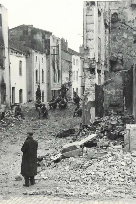 EXPOSITION : CHARMES, SEPTEMBRE 1944