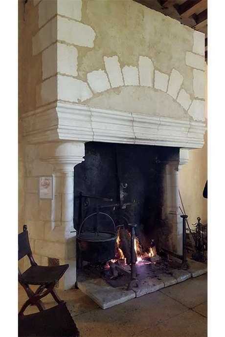 Grande exposition de cheminées du Moyen Age au 19e s