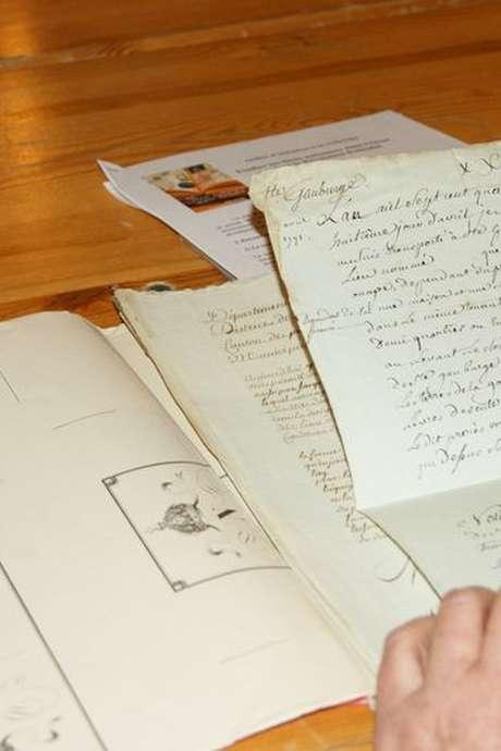 Atelier d'histoire : documents et ouvrages anciens