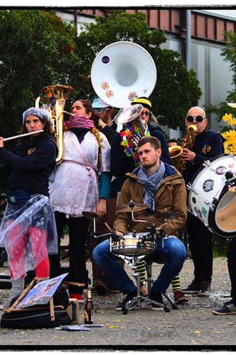 Animation avec la Banda «Les Trompettes de Fallope»