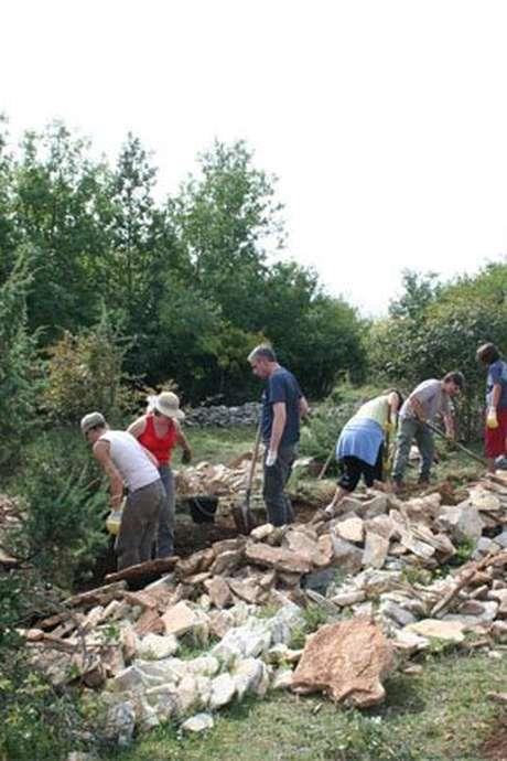 Des pierres sèches toujours et encore à la montagne de la Chaume à Nantoux ENS2020