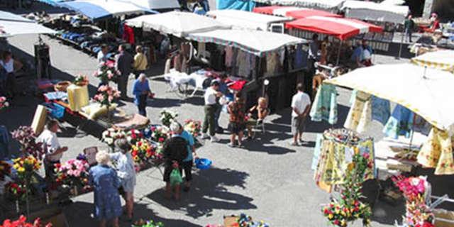 Bessans market