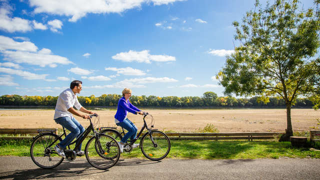 Explore Angers by bicycle package