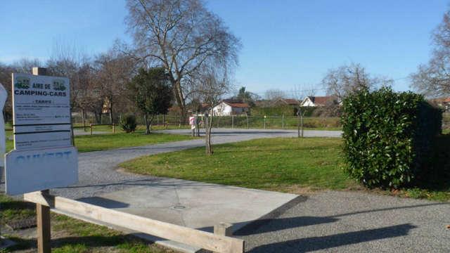 Aire de camping-cars de Saint-Julien-en-Born