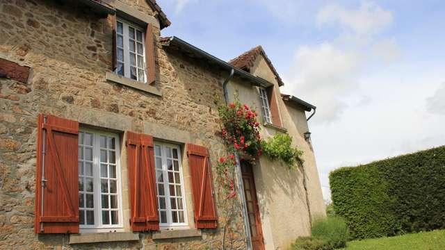 Location Gîtes de France - MEASNES - 6 personnes - Réf : 23G769